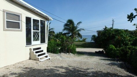 LITTLE CAYMAN OCEAN VIEW HOUSE WITH BEACH LOT