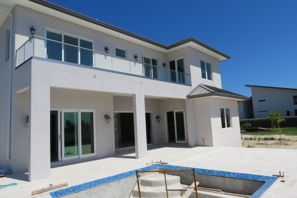LALIQUE POINT LUXURY CANAL FRONT HOME - Image 8