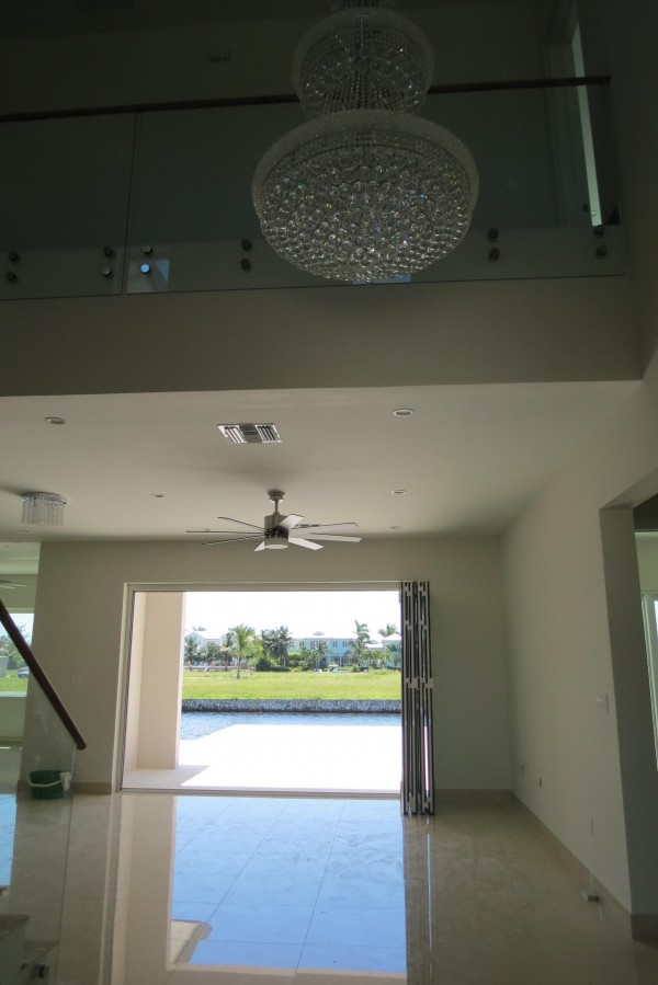 LALIQUE POINT LUXURY CANAL FRONT HOME - Image 14