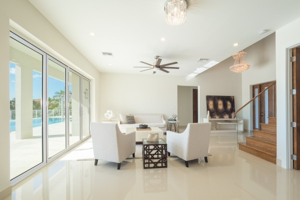 LALIQUE POINT LUXURY CANAL FRONT HOME - Image 28