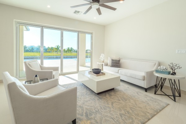 LALIQUE POINT LUXURY CANAL FRONT HOME - Image 29
