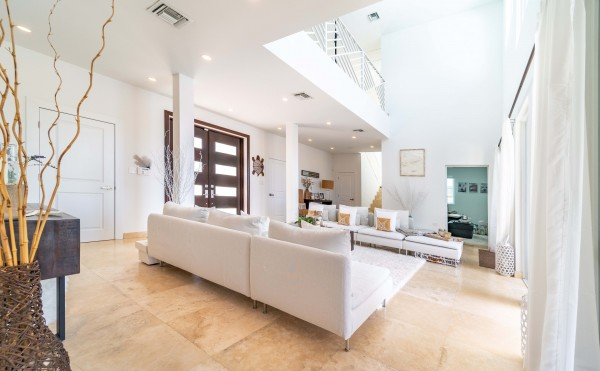 WEST POINT VILLA IN CRYSTAL HARBOUR - Image 2