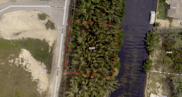 NORTH SOUND ESTATES - WATER STREET  CANAL FRONT LOT