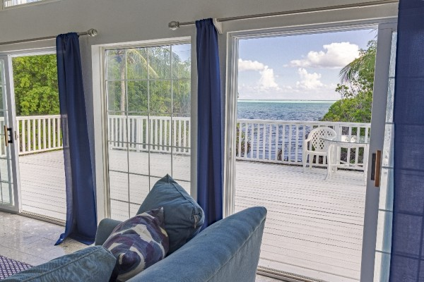 WATERFRONT HOUSE - LITTLE CAYMAN - Image 2