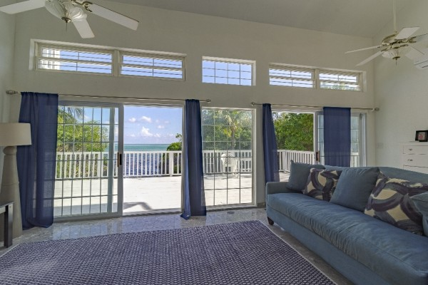 WATERFRONT HOUSE - LITTLE CAYMAN - Image 1