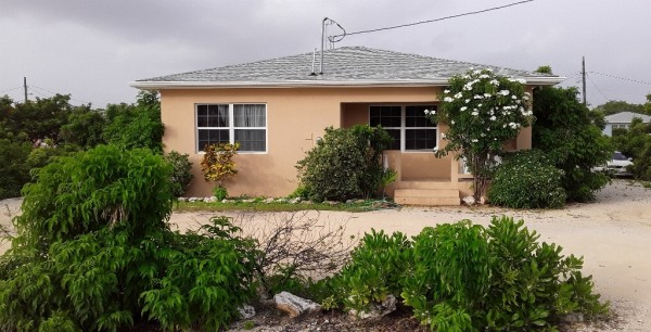 SUN VALLEY DRIVE, CAYMAN BRAC--2BR HOME - Image 3