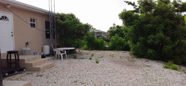 SUN VALLEY DRIVE, CAYMAN BRAC--2BR HOME - Image 5