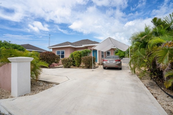 WEST BAY SINGLE FAMILY HOME - Image 5